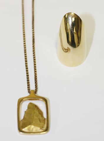 A Matterhorn pendant (3)