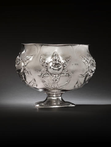 "An Edwardian silver hand wrought Arts & Crafts bowl by Gilbert Marks, London 1901, with incuse engraved facsimile signature ""Gilbert Marks"" over ""1901"","