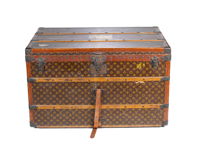 LOUIS VUITTON: An early 20th century monogrammed trunk,