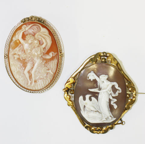 Two oval shell cameo brooches, (2)
