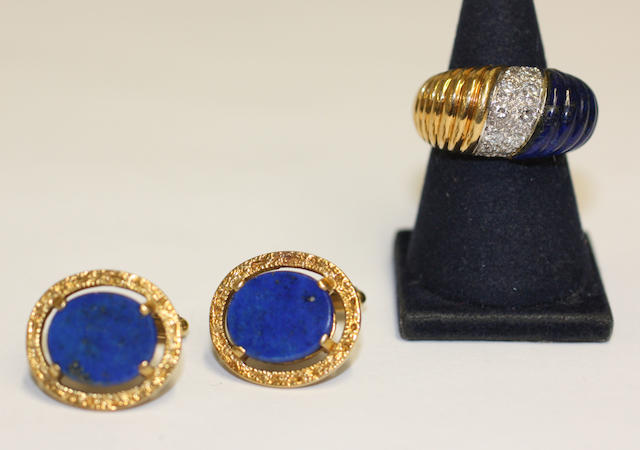 An 18ct gold lapis lazuli and diamond dress ring and a pair of lapis cufflinks