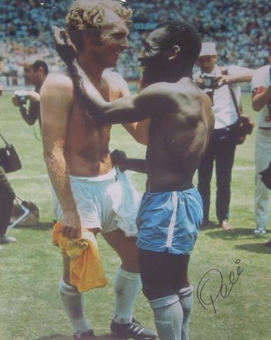 1970 Pele/Bobby Moore print, hand signed by Pele