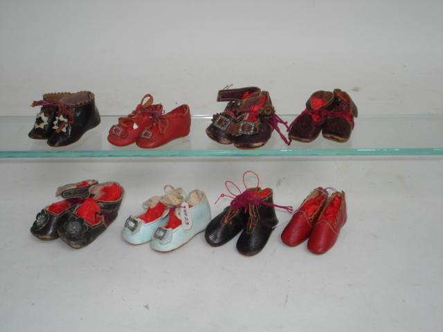 2cfea9cbf651 Eight pairs of dolls shoes
