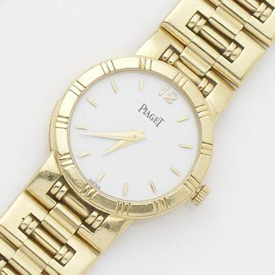 Piaget. An 18ct gold lady's quartz bracelet watch with box and papers Dancer, Ref:80563 K 81, Case No.536296, Sold 29th of January 1999