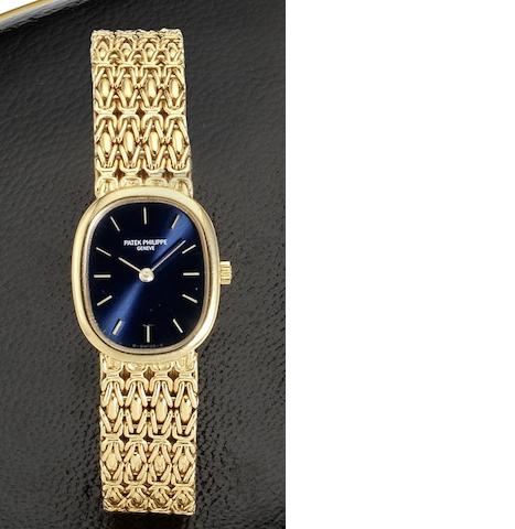 Patek Philippe. An 18ct gold lady's quartz bracelet watch Ellipse, Circa 1970