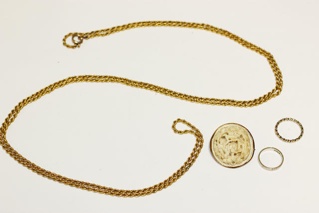 A long ropetwist chain necklace