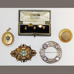 Two Victorian brooches