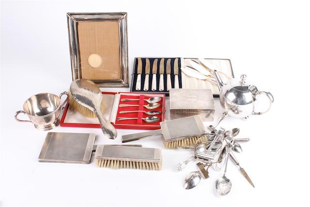 A silver cigarette box Birmingham, 1922,  (qty)