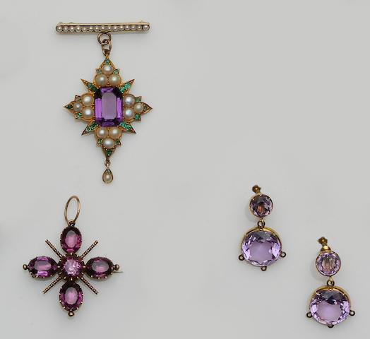 An amethyst, emerald and half pearl brooch (3)