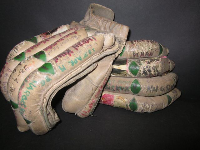 Cricket gloves worn by Imran Khan