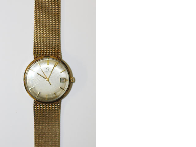 Omega: A gentleman's 9ct gold automatic calendar bracelet watch