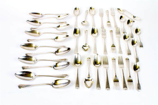 A small quantity of Georgian silver flatware  (Qty)