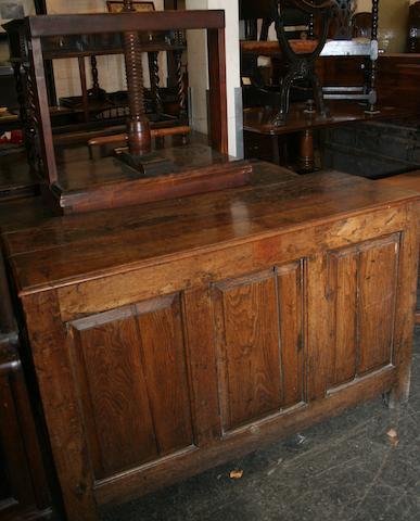 An early 18th Century oak coffer