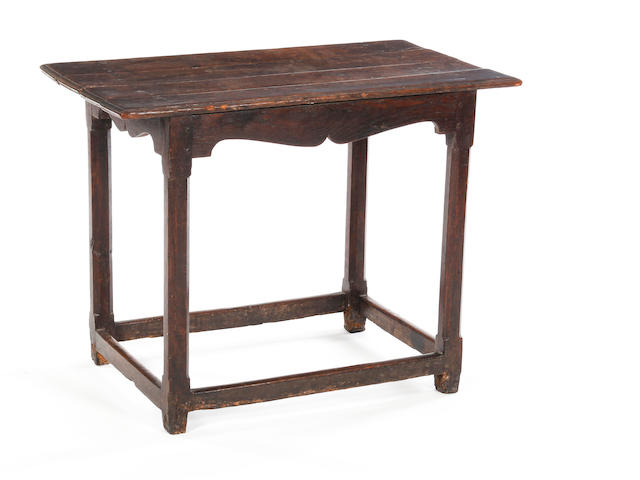 Early 18th century oak centre table