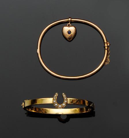 A half pearl set horseshoe bangle (2)