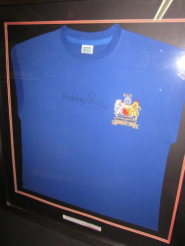 Nobby Stiles hand signed 1968 European Cup final replica shirt