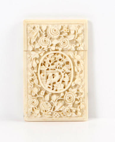 A Cantonese ivory card case, 19th century