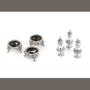 Three Victorian silver cauldron salts, by Robert Harper, London 1858,  (6)