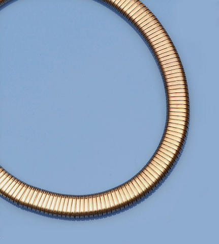 A gas pipe link necklace