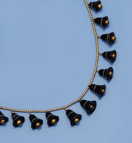 A Victorian banded agate fringe necklace