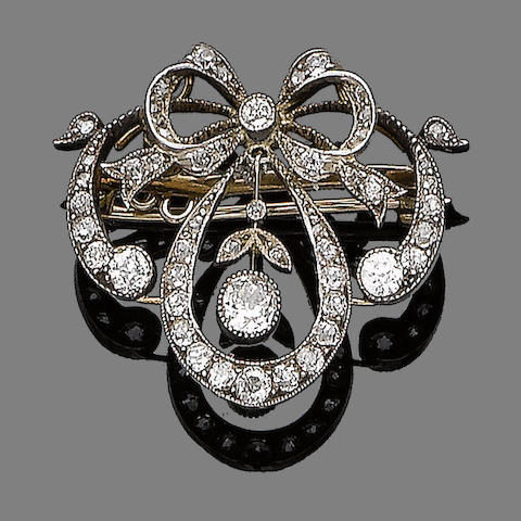 A diamond brooch pendant,