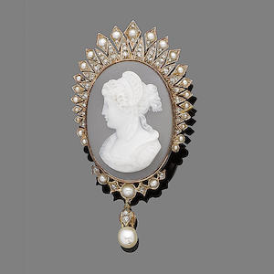 A hardstone cameo, pearl and diamond brooch/pendant,