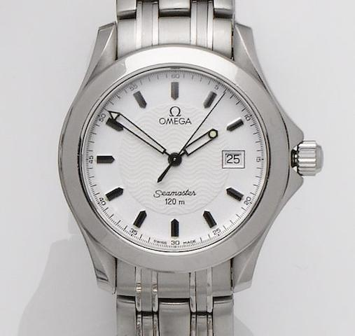 Omega. A stainless steel calendar bracelet watch Seamaster, Sold  January 17th 2000