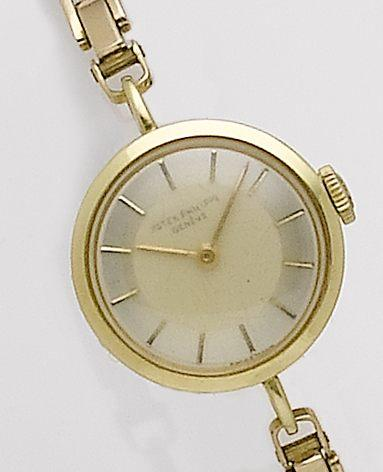 Patek Philippe. A lady's 18ct gold bracelet watchRef:3245, Movement No.857506, Case No.517829, 1940's