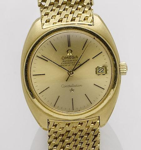 Omega. An 18ct gold automatic calendar bracelet watchConstellation, Case No.624114/168007, Movement No.20950104