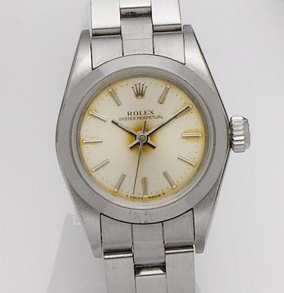 Rolex. A lady's stainless steel automatic bracelet watch Oyster perpetual, Ref: 67180, Serial No. E814016,