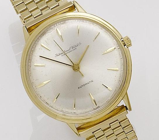 International Watch Company. An 18ct gold automatic centre seconds bracelet watch Case No. 1586548, Movement No. 1580938, 1960's