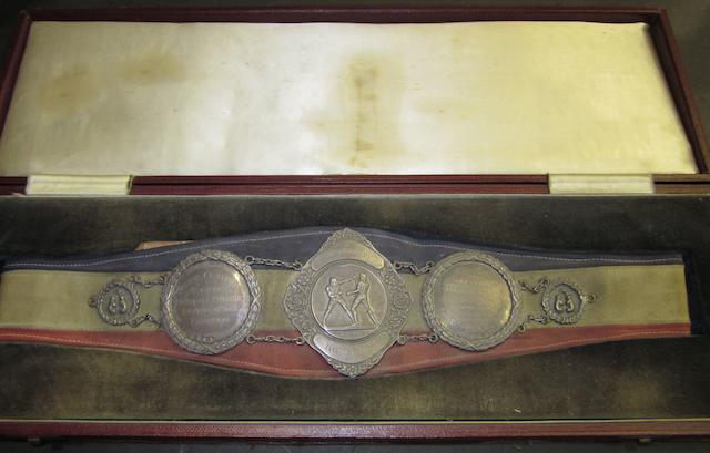 Boxing News Achievement Belt awarded to Ronnie Clayton