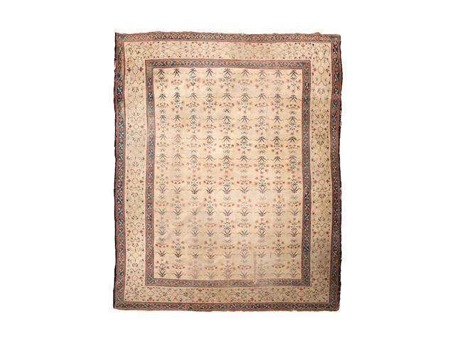 An Agra carpet 399cm x 286cm