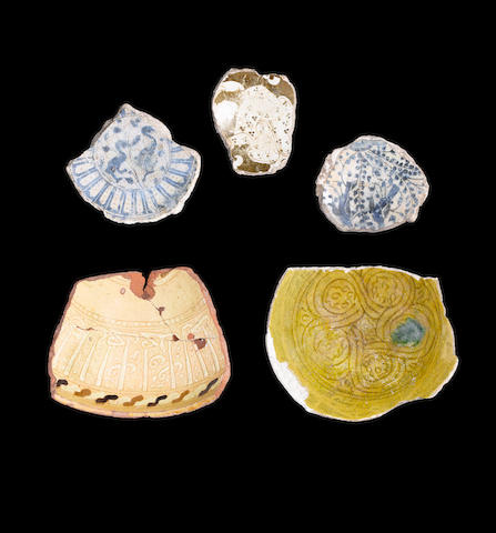 A group of Medieval Islamic pottery Fragments Egypt and Syria, 11th - 15th Century(5)