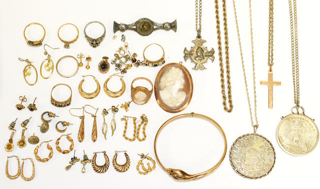 A collection of jewellery, (qty)