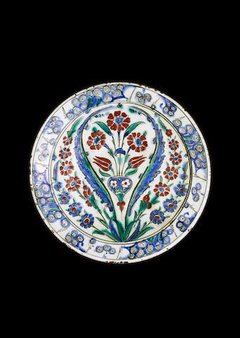 An Iznik pottery plate