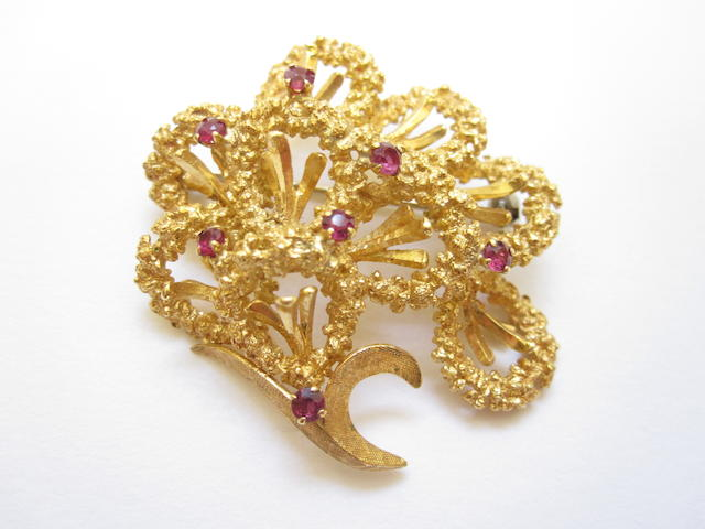 An 18ct gold and ruby brooch, London 1989