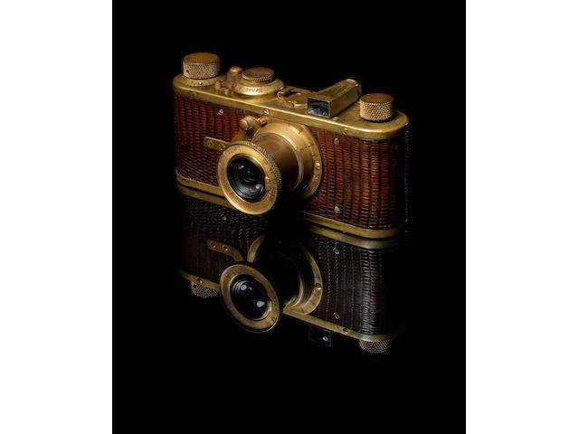 Leica Luxus with VF gold plus rangefinder in case
