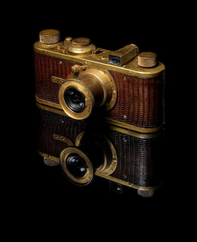 Exceptional Leica Luxus I,