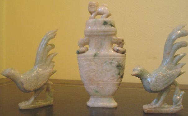 A Chinese jadeite vase
