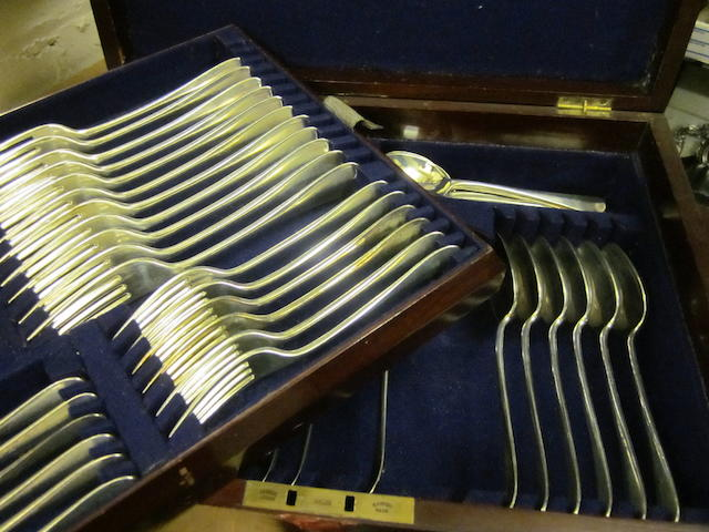 A Victorian silver composite canteen of rattail pattern flatware, Sheffield 1895,