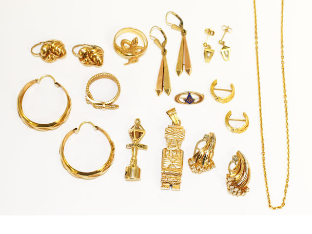 A collection of jewellery items, (18)
