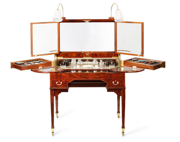An early 20th Century mahogany fitted dressing table by Betjemann & Sons
