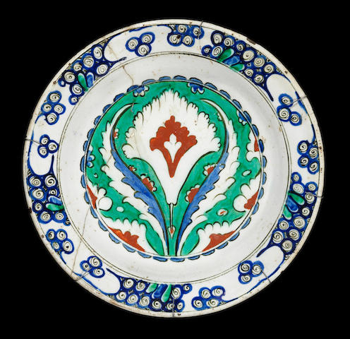 An Iznik pottery Dish Turkey, circa 1575-80