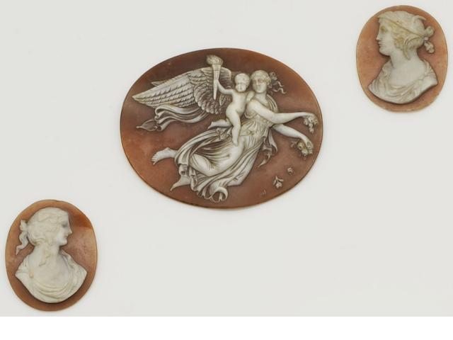 Three unmounted oval shell cameos  (3)