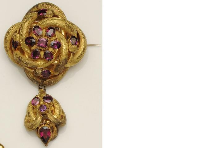 A Victorian garnet pendant brooch
