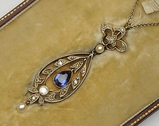 An Edwardian sapphire and diamond pendant