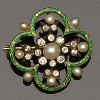 An Edwardian quatrefoil brooch/pendant