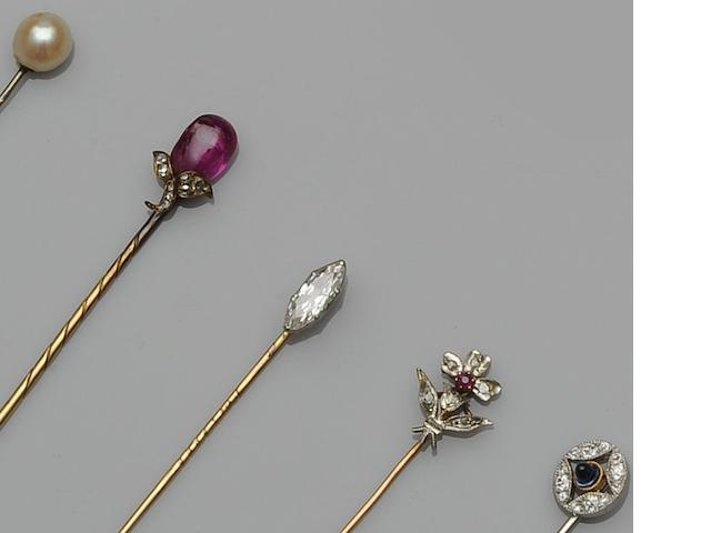 Cartier: A sapphire and diamond stick pin  (5)