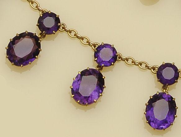 An amethyst fringe necklace